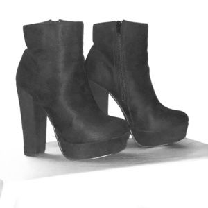 Black Forever 21 Booties